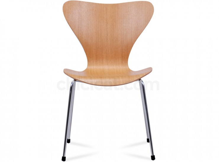 Series 7 Chair by Arne Jacobsen (Platinum Replica)