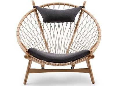 Hans Wegner Circle Chair (Platinum Replica)