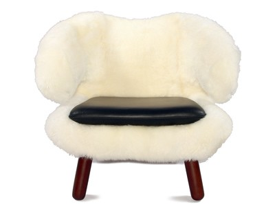 Pelikan Chair in Sheepskin by Finn Juhl (Collector Replica)
